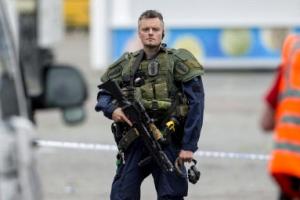 핀란드 흉기 난동범은 모로코 10대, 총 맞고 치료중…테러 가능성 조사