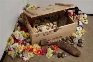 분단, 어둠, 죽음에 내리는 애도의 꽃비