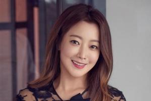"""김희선 """"예쁜데 연기도 잘한단 말 듣기 좋아요"""""""