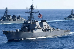 미군 구축함, 싱가포르 인근 해상에서 상선과 또 충돌…10명 실종·5명 부상