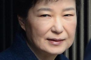 """'朴출당론' 놓고 친박-친홍 설전…""""X놈"""" vs """"패악무도"""""""