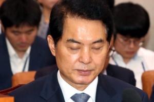 류영진 식약처장, '살충제 계란' 파동 중 '꼼수 휴가' 논란