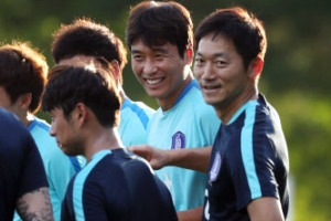 이동국, 대표팀 합류해 차두리·김남일과 즐겁게 훈련