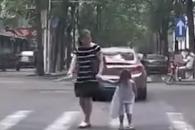 중국 SNS 뜨겁게 달군 5살 소녀의 감사 인사