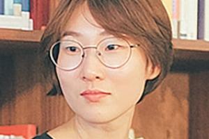"""""""문단 내 권력구조 변함 없어…표절·성폭력 여전히 미해결"""""""