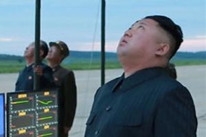 김정은 참관한 화성-12형 발사