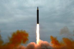 """방북 러시아 의원들 """"北, 또 장거리 미사일 발사시험 준비"""""""