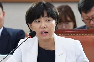 """與, 이유정 사퇴에 """"안타깝지만 선택 존중…김이수 인준하자"""""""