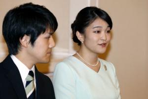 마코 공주 약혼 소식에 뜨거워진 日 결혼시장