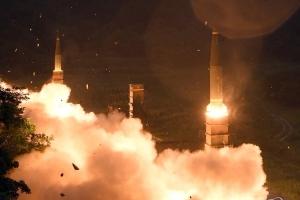 군 당국, 동해안서 '북 핵실험 도발'에 무력시위…현무·슬램-ER 미사일 발사