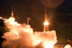 """북한, 6차 핵실험 성공 경축행사 """"美, 현명한 선택 해야 할 것"""""""