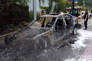 BMW 승용차, 도로에서 갑자기 불…차량 다 타고 운전자는 대피