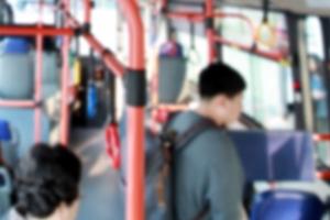 건대 버스 논란…아이 내려놓고 엄마만 태운채 출발?