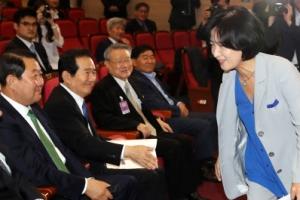"""추미애 """"김이수 부결, 염치없는 소행"""" 국민의당 의원들과 인사도 안해"""