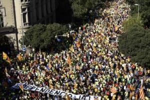 카탈루냐 독립 국민투표 앞두고 100만여명 시위