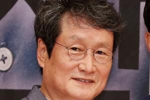 국정원 'MB 블랙리스트' 문성근·김여진 합성사진까지 제작