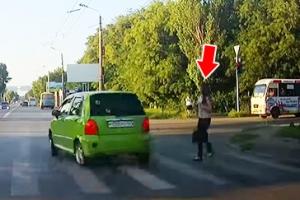 보행자를 피하긴 했는데…무법질주 운전자의 최후