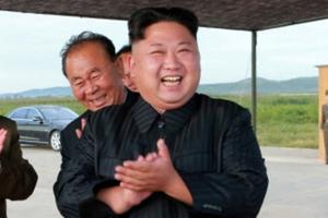 """북한 '화성-12' 전력화 선언…김정은 """"핵무력 완성 종착점, 끝장 봐야"""""""