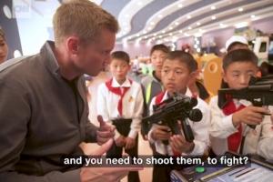 """북한 아이들, 미국인 기자에 """"총 쏘겠다""""…CNN '미지의 국가 북한' 다큐"""
