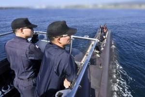 """""""적 항공기다"""" 20m 급속 잠수… 어뢰 쏘자 12㎞앞 함정 명중"""