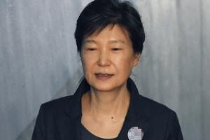 '문고리 3인방' 정호성, 증언 거부로 박근혜 지키기?