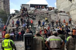 멕시코시티서 규모 7.1 강진…최소 119명 사망, 고층건물 붕괴로 사상자 늘 가능성
