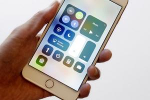 """팀 쿡 """"iOS 11, 증강현실을 주류에 편입시킨 것"""""""