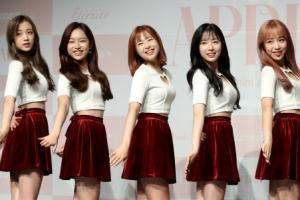 봄을 닮은 소녀들…'컴백' 에이프릴, '손을 잡아줘'