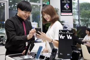 [비즈+] LG전자 'V30' 21일 국내 출시