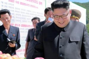 [포토] '핵무기 다음으로 흡족한' 김정은