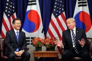 """文·트럼프 """"미국, 한국에 최첨단 군사자산 획득·개발 지원"""""""