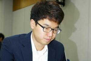 안성준 7단, 커제 꺾고 삼성화재배 8강 진출