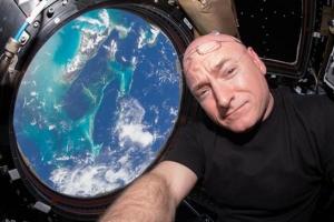 [한가위 TV 가이드] 우주에서 1년, 비행사들의 신체 변화가 궁금했을 당신에게…