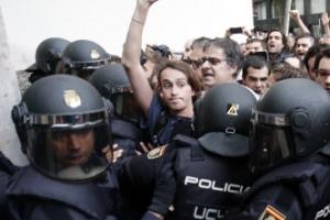 """카탈루냐 """"독립투표 90%가 찬성표""""…시민·경찰 충돌 800명 부상"""