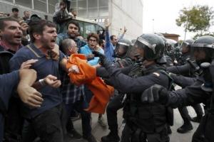 [포토] 스페인 카탈루냐 독립투표 강행… 투표자·경찰 충돌 38명 부상