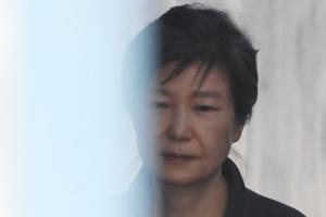 박근혜 지지한 '십알단' 재조명…국정원과의 연결고리 포착