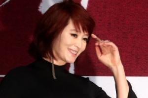 [포토] 김혜수 '뭐, 이정도?'…대체 불가 카리스마