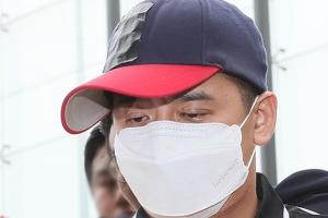 며느리 성폭행 혐의 '어금니 아빠' 계부, 경찰 소환 불응