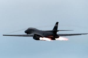 [포토] 美 B-1B랜서 , 또 야간 한반도 기습출격