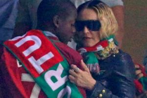[포토] 마돈나, 아들과 함께 포르투갈 월드컵 예선 관람