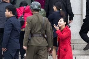 [포토] 관광객 방문한 북한 판문각