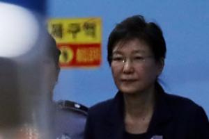 """[속보] 박근혜, 구속 연장 후 심경 밝혀…""""재판받은 지난 6개월 참담·비참"""""""