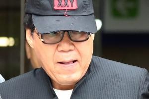 """""""그림 대작으로 돈 벌 이유 없다""""는 조영남, 2심도 실형 구형"""