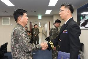 해군 박재원 소령, 러시아 해군  위탁교육서 우등 '붉은 졸업장' 수상