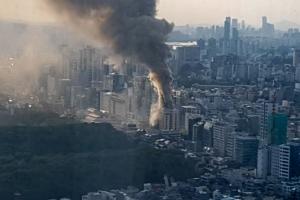 선정릉역 호텔 신축공사장 화재…치솟는 연기 (영상)