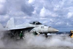 [포토] 미 핵항모 레이건호 동해서 훈련…발진하는 전투기