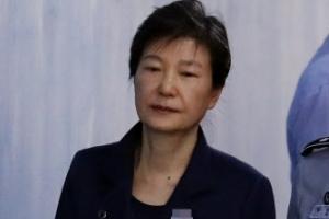 한국당 '1호 당원' 朴과의 결별…보수재편 속도전 속 내홍 조짐도