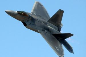 한반도에 다시 뜬 '하늘의 제왕' F-22랩터