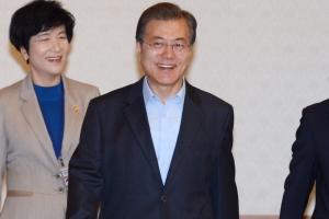 [서울포토] 문재인 대통령, 국무회의 입장