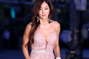 [포토] 김혜진, 볼륨감 넘치는 '콜라병 몸매'